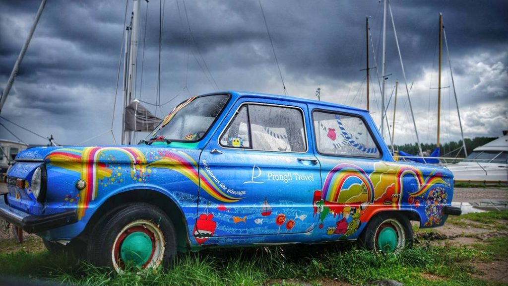 Our awesome hippie car welcoming you at Kelnase port.