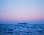 ©Iurii Matkeevits. Maaliline päikeseloojang Keri saare taustal